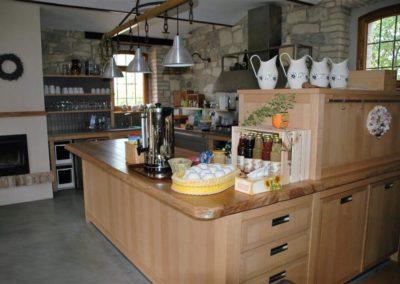 Slunecnice-kuchyne 2